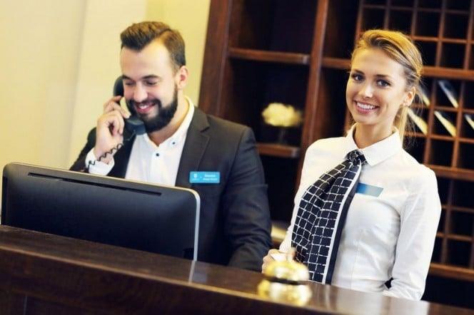 Para conocer la tarifa aplicable a los servicios hoteleros, nos remitiremos a lo descrito en el parágrafo 1 del artículo 240